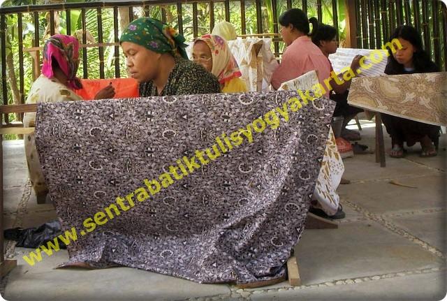 Sentra Batik Tulis Giriloyo